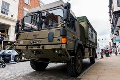 CHESTER, HET UK - 26TH JUNI 2019: Een legerhx60 4x4 vrachtwagen in Chester City voor het Britse Leger wordt geplaatst aan te werv stock fotografie