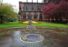 Chester-Kathedrale im Frühjahr Stockbilder