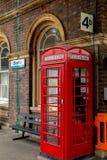 Chester Station Phone Of het Verleden stock afbeeldingen