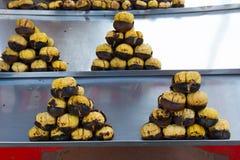 Chestnusts rôtis frais images stock