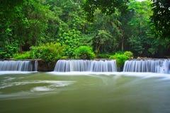 Chet Sao Noi vattenfall i Thailand Royaltyfri Bild