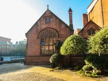 Chetham ` s图书馆-有中世纪气氛的17世纪图书馆庭院  免版税库存图片