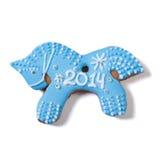 Cheval bleu 2014 de pain d'épice de Noël d'isolement Images libres de droits