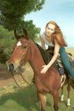Cheval d'équitation de femme Images libres de droits