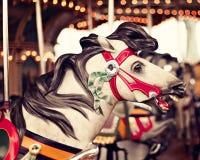 Cheval dans un carrousel de vintage Photographie stock libre de droits