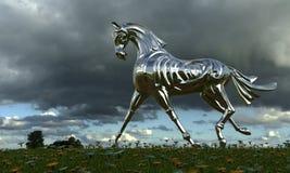 Cheval en métal sur un pré Photographie stock libre de droits