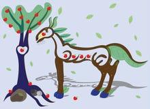Cheval et Apple-arbre en bois. Image libre de droits