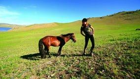 Cheval gai Rider Woman banque de vidéos