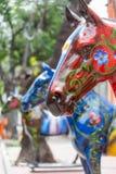 Cheval peint par rouge en La Boca Image stock