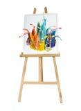 Chevalet en bois de peinture de support avec la palette de couleurs Photographie stock libre de droits