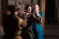 Chevalier Losing un Swordfight Photographie stock libre de droits