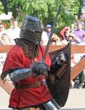 Chevalier médiéval pendant la bataille Images libres de droits