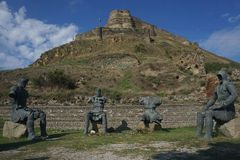 Chevaliers s'asseyants de la forteresse quatre de Gori images libres de droits