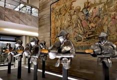 Chevaliers sur la protection du musée images libres de droits