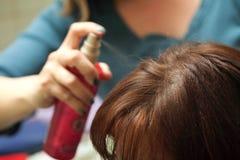 Cheveu de jet de coiffeur photographie stock libre de droits
