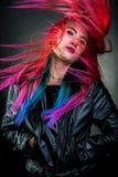 Cheveux de couleur de mouvement de fille magnifiques Images stock