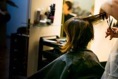Cheveux de coupe images libres de droits