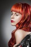 Cheveux rouges Verticale de fille de mode Image libre de droits