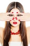 Cheveux sains de witn de mannequin de femme, maquillage, manucure Images stock