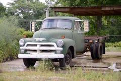 Chevorlet古色古香的平板车卡车 免版税库存图片