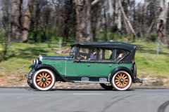1928 Chevrolet AB Tourer Krajowy jeżdżenie na wiejskiej drodze Obraz Stock