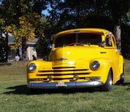 Chevrolet amarelo restaurado clássico Foto de Stock Royalty Free