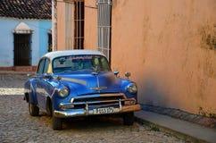 Chevrolet bonito em Trinidad colonial Fotografia de Stock