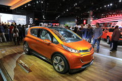 2016 Chevrolet-Bout EV bij 2015 NAIAS Stock Foto