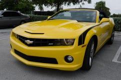 Chevrolet Camaro de alta tecnología amarillo SS convertible Foto de archivo libre de regalías
