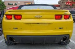 Chevrolet Camaro de pointe jaune solides solubles convertible Images libres de droits
