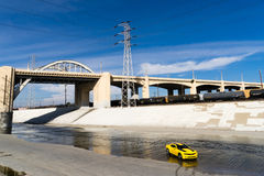 Chevrolet Camaro in de rivier van Los Angeles Royalty-vrije Stock Fotografie