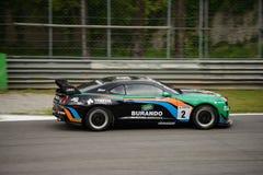 Chevrolet Camaro GT4 samochodowy ścigać się przy Monza Zdjęcia Royalty Free