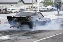 Chevrolet camaro włóczydła samochodu dymu przedstawienie Obrazy Stock