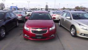 Chevrolet, Chevy, nuevos coches, coches americanos almacen de metraje de vídeo