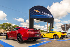 2016 Chevrolet Corvette, Camaro solides solubles, croisière de rêve de Woodward, MI Photo stock