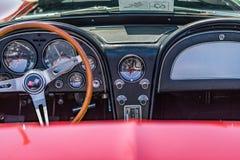 Chevrolet Corvette 1966 Sting Ray Stockbilder