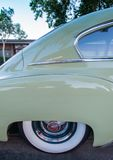 Chevrolet 1949 de lujo - verde del satén Imágenes de archivo libres de regalías