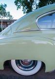 Chevrolet 1949 de luxe - verde do cetim Imagens de Stock Royalty Free