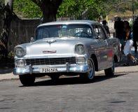 Chevrolet de plata restaurado en Havana Cuba Fotos de archivo libres de regalías