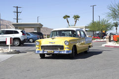 Chevrolet gulingkupé 1955 Arkivbild