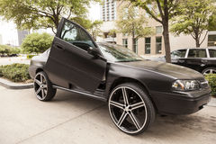 Chevrolet Impala auf den 28 Zoll-Rädern lizenzfreies stockbild