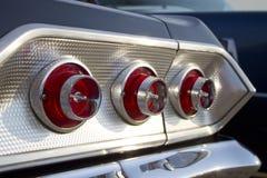 Chevrolet Impala svansljus Arkivbild
