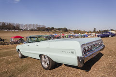 Chevrolet klassisk konvertibel tappningbil Arkivfoto