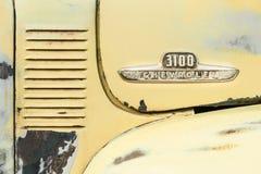 Chevrolet 3100 pojazdu odznaka zdjęcie stock