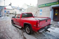 Chevrolet Silverado op een straat omhoog wordt geparkeerd die Stock Foto's