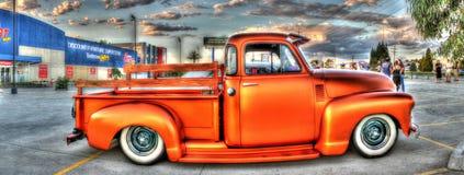 Chevy modifié la tonalité par cuivre prennent le camion Image libre de droits