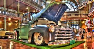 Chevy väljer upp lastbilen Arkivbilder