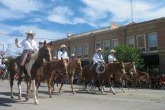 Cheyenne, Wyoming, los E.E.U.U. - 26-27 de julio de 2010: Desfile en Cheye céntrico Imagenes de archivo