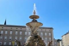 Chez le Residenzplatz à Salzbourg, l'Autriche image libre de droits