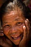 Chhaimale村庄, 29km的一个老妇人在加德满都南部,尼泊尔 免版税图库摄影